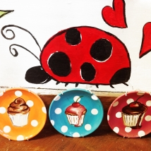 Cup Cakes Ladybird